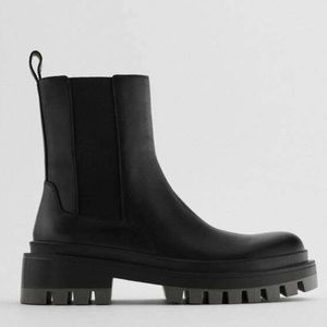 NEW ZARA WOMAN FLAT LEATHER ANKLE BOOTS WITH